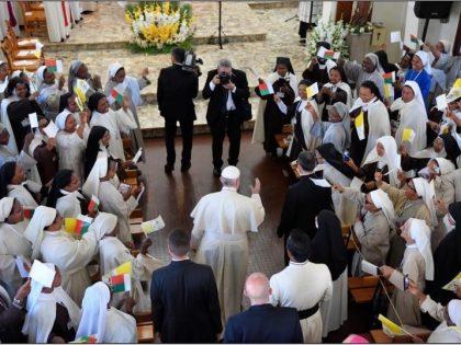 Le pape François à Madagascar s'adresse aux contemplatives !
